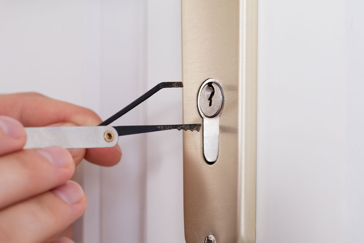 Rapid, convenient, direct to location home lockout service, no matter your location in Seattle, around the clock